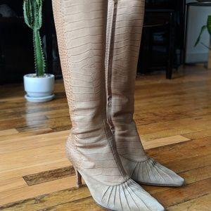Salvatore Ferragamo vintage boots EUC